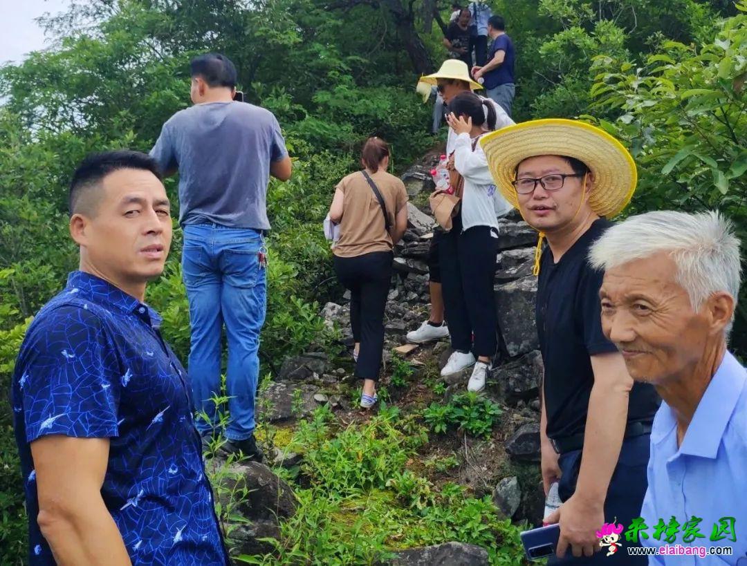 岳西县作家协会、摄影家协会赴来榜镇三河村采风